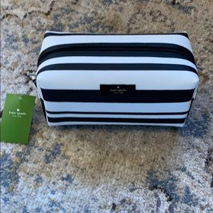 Kate spade make up bag NWT